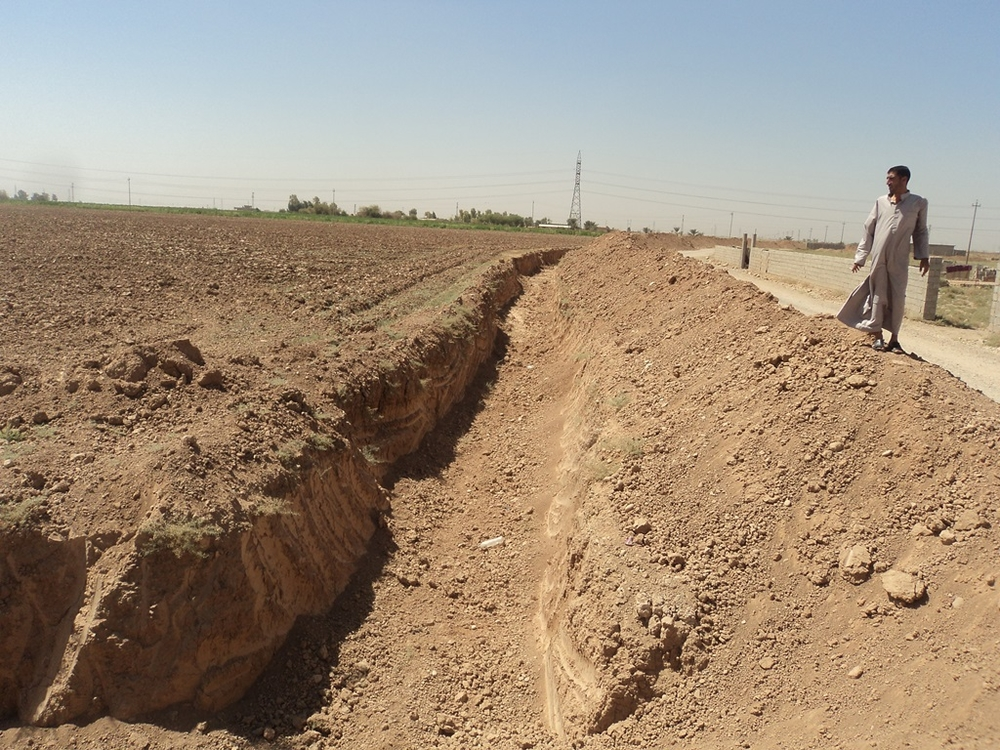 A 3-meter-wide trench, expected to be 58-km long when completed, is being dug around the city of Kirkuk in an attempt to reduce terrorist attacks in the city. Kirkuk, an ethnically mixed city home to Kurds, Arabs and Turkmen, is disputed by the semi-auton