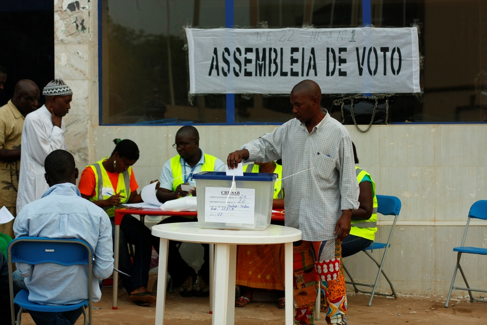Voting in first round presidential polls in Guinea-Bissau. A military coup scuppered the run-off in April 2012