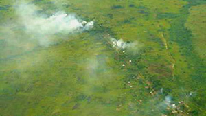 [DRC] Village burning near Bunia, November 2002