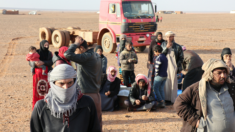 Photo of people in Rukban settlement of Syria near border with Jordan
