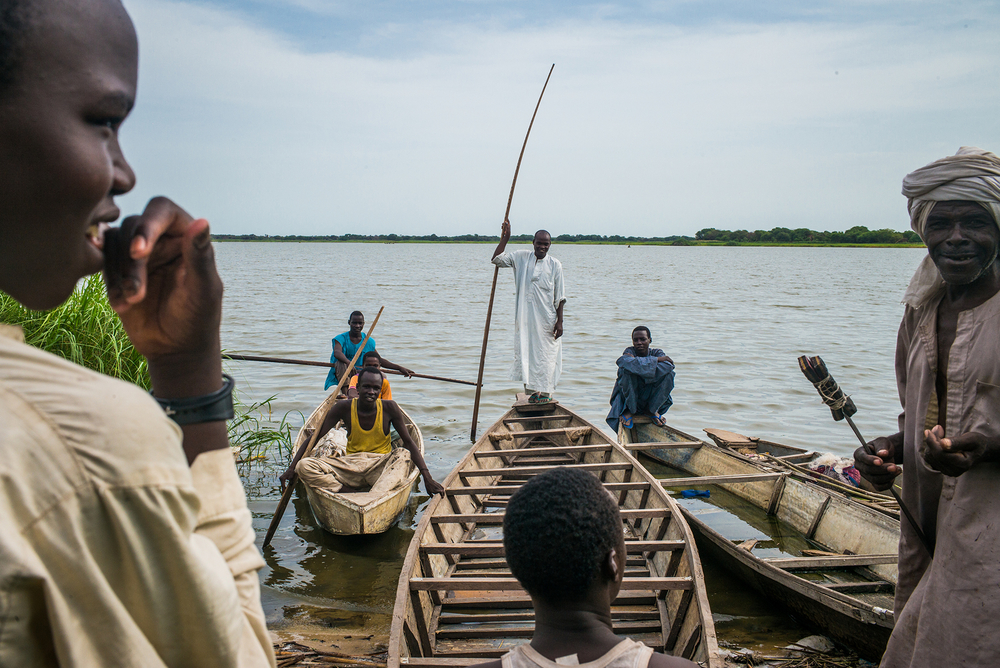Photo of displaced people in Lake Chad fishing.