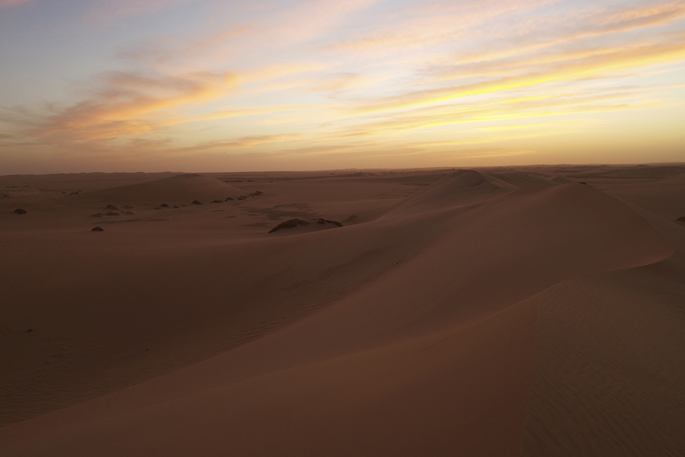 Dunes of the central southern Libyan desert, Tebu country.